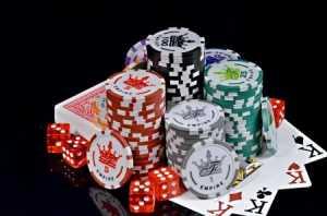 Игра в покер. Плюсы и минусы